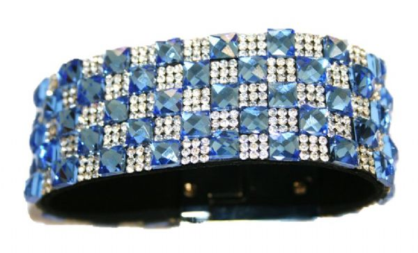 6mm faceted blue square glass + 2mm clear diamante stone -- c5000068